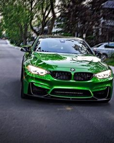 BMW F82 M4 green Bmw S, Car Pictures, Car Pics, All Cars, Future Car, Exotic Cars, Cars And Motorcycles, Luxury Cars, Dream Cars