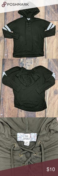 NWT Gymboree NEWBORN ESSENTIALS Blue Hooded Fiberfill Snap Button Coat