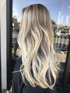 Perfect blonde Balayage by Kathy Nunez. #balayage