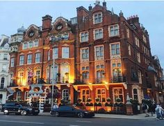 """Leading Hotels of the World """"𝐓𝐡𝐞 𝐌𝐢𝐥𝐞𝐬𝐭𝐨𝐧𝐞 𝐇𝐨𝐭𝐞𝐥"""" in London✔️ Enjoy your stay✔️"""
