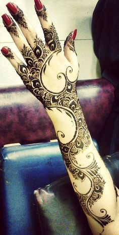 ✧✧ #HennaInspiration ✧✧ henna Follow me on www.pinterest.com/nmalviya Follow me on www.Instagram.com/neerajmalviya60 Follow my page on Facebook.com/YahaaSabKuchMileGa