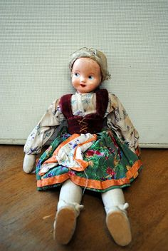 Vintage Polish doll - love! omg I had one so like her bought for me in a little town in wv..no place near Poland..i literly loved her to death
