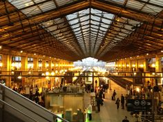 Good place to travel to all places in Paris!