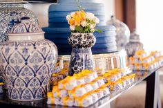 Holy Bride | Amanda Soldi: Inspiração: azul e amarelo
