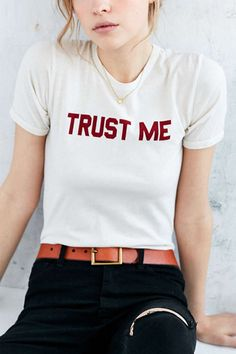 Stay casual, stay chic. This t-shirt features a TRUST ME letter print at front…