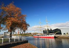 The Tall Ship (Glenlee) at Riverside or Glenlee is a three-masted barque turned museum on River Clyde in Glasgow, Scotland. Find its location, best time to visit and more. Glasgow Map, Glasgow Scotland, Scotland Tourist Attractions, Riverside Museum, Places To Travel, Places To Visit, Transport Museum, Rio Carnival, Natural Phenomena