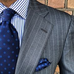 "Viola Milano combo with a ""Navy/Blue Circle"" silk tie & a ""Sea Floral"" pocket square…"