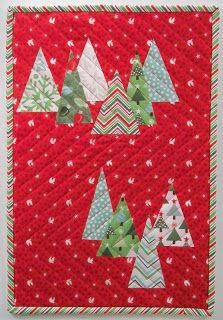 12 Free Modern Christmas Quilt Patterns - wow i like that