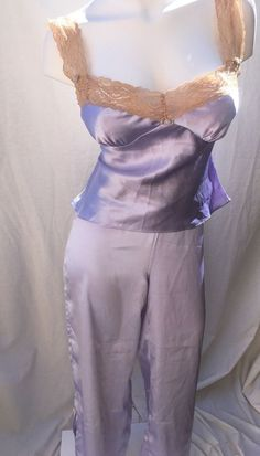 78c0de27f8 Victoria s Secret 2 PC Pajamas Set Tank Pants Silky Satin Lavender w Lace  Medium