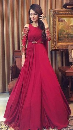 30 Trendy Sangeet Outfit Ideas for the Bride Indian Wedding Gowns, Indian Gowns Dresses, Bridal Dresses, Indian Designer Outfits, Indian Outfits, Designer Dresses, Stylish Dresses, Fashion Dresses, Gown Party Wear