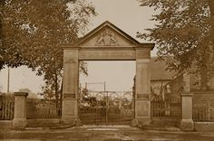 The Royal Gate, St John's Church, Parramatta | Heritage Archives and Library Research and Collection Services