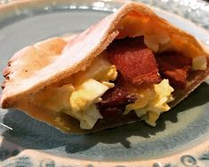 egg n bacon pitta  #aip #aippaleo #aipdiet #aipprotocol #autoimmuneprotocol #autoimmunepaleo #paleo #paleodiet #autoimmunewellness #autoimmunedisease #multiplesclerosis #ms #msfighter #mswarrior #nomeds #jerf #justeatrealfood #healingdiet #healingfood #cleaneating  #glutenfree #grainfree #breakfast #aipreintro #eggs #ottoscassavaflour #tasty #dontmswithmydinner