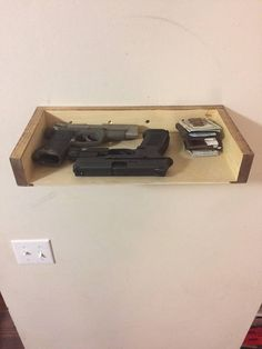 Diy floating shelf secret hidden gun safe youtube gun for Dixversion meuble