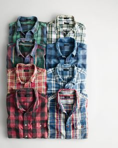 J.Crew men's heathered slub cotton shirts. Natural irregularities in the fabric give these shirts a rustic, vintage look and a light weight so they can be worn year-round.