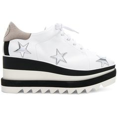 Stella McCartney Star Embroidered Sneakelyse Platform Sneakers (10.956.975 IDR) ❤ liked on Polyvore featuring shoes, sneakers, stella mccartney sneakers, embroidered shoes, wedge sneakers, metallic shoes and wedge heel sneakers