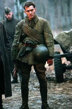Jude Law as Vassili in Enemy at the gates, Jude Law, Triquetra, Actors Male, Hey Jude, British Actors, British Boys, My Character, Character Reference, Men In Uniform