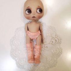Вот такой лысенький ребеночек))) #кукла #куклаолли #олли #оллипроцесс #doll #artdoll #dolls #ollydoll