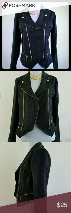 Black detailed fitted blazer Trendy detailed black fitted blazer. Versatile. Size can fit an XS/S. NWOT. Jackets & Coats Blazers