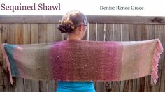 Learn how to create a seamless color #gradient while #weaving with a color-change yarn
