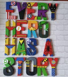 Letras de superhéroe. Papier Mache Letras por MagnificentMakesUK