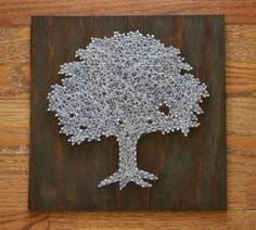 arbre blanc dessiné à la ficelle