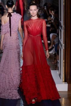 Valentino Fall 2012 Couture Fashion Show - Jac