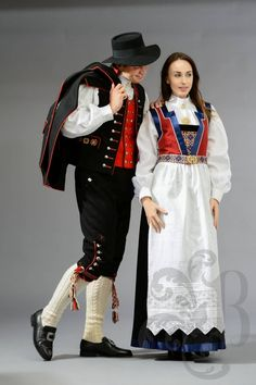 Fanabunad, Hordaland Norwegian Clothing, Norwegian Fashion, Costumes Around The World, Frozen Costume, Folk Clothing, Folk Costume, Wedding Story, World Cultures, Traditional Dresses