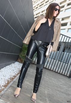 www.streetstylecity.blogspot.com Fashion inspired by the people in the street look ootd outfit leather jacket pants heels
