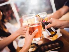 Does alcohol have a place in a healthy Paleo diet? Are there any types of Paleo alcohol that won't derail your diet plan? Kombucha, Get Healthy, Healthy Tips, Personal Trainer Website, Drinks Before Bed, E Cigarette, Dry January, Quit Drinking, Beer Festival