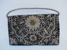 Andear Womens Vintage Style Elegant Rose Embroidered Beaded Sequin Evening Clutch Wedding Party Purse