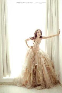 Blush wedding dress - love the bottom of the dress, tulle-y Bridal Gowns, Wedding Gowns, Tulle Wedding, Whimsical Wedding, Whimsical Dress, Trendy Wedding, Woodland Wedding Dress, Wedding Cake, Rustic Wedding