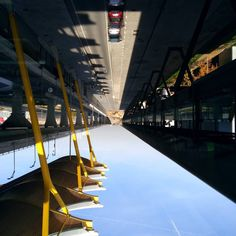 Road to the sky #madrid #aeropuerto #barajas #airport #aeroporto #aeroport #igersmadrid #igersespaña #spain #teamespaña #team974 #974 #reunionisland #islandboy #followme #follow #picoftheday #photooftheday #photograph #photography #holiday #holidays #sky #skyporn #upsidedown #perspective #streetview by blackk0rb0