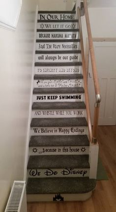 Disney Stairs The Effective Pictures We Offer You About Disney Home Decor diy A quality picture can Casa Disney, Disney Fun, Disney House, Disney Ideas, Funny Disney Memes, Disney Quotes, Disney Stairs, Deco Harry Potter, Disney Home Decor