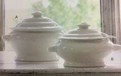 Large creamware soup tureen with lid and ladle holds 20 cups / Medium creamware soup tureen with lid and ladle holds 14 cups