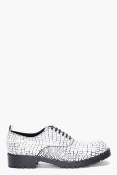 comme-des-garcons-white-contrast-kip-embossed-shoes-