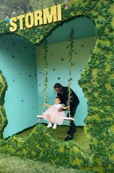 Kylie Jenner Throws Whimsical Butterfly Bash for Stormi to Celebrate Their First Makeup Collab Kylie Jenner Instagram, Mode Kylie Jenner, Estilo Kylie Jenner, Dream Kardashian, Estilo Kardashian, Kardashian Jenner, Kardashian Kollection, Travis Scott Kylie Jenner, Las Vegas