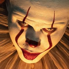 Pin by Pugz on Horror characters in 2020 Pennywise Lives, Pennywise The Dancing Clown, Evil Clowns, Scary Clowns, Creepy, Arte Horror, Horror Art, Scary Movies, Horror Movies