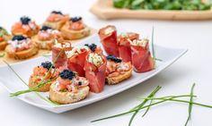 Smoked salmon-caviar snack and celery-ham rolls Pork Recipes, Seafood Recipes, Appetizer Recipes, Appetizers, Ham Rolls, Salmon Caviar, Smoked Salmon, Celery, Tasty
