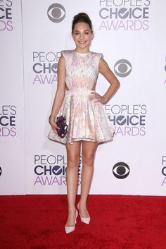 Maddie Ziegler People's Choice Awards 2016 Red Carpet