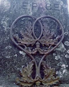 New Orleans - Wrought iron gate finding with acorn and oak leaf pattern