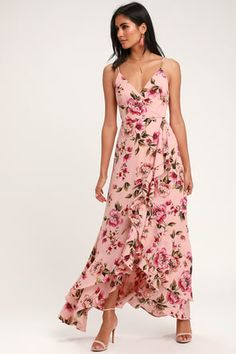 Feel euphoric when you twirl in the Lulus Bodacious Bella Blush Pink Floral Print Maxi Dress! Surplice bodice with a high waist, tiered, faux wrap maxi skirt. Dresses For Teens, Cute Dresses, Casual Dresses, Pink Dresses, Floral Dresses, Dresses Online, Bridesmaid Dresses, Wedding Dresses, Bridesmaids