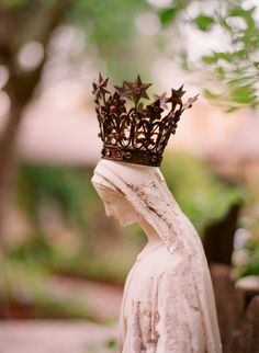 Our Lady, Mary Queen of Heaven, Blessed Mother, Mother of our weary hearts. Madonna, Blessed Mother Mary, Blessed Virgin Mary, Mother Mother, Catholic Art, Roman Catholic, Religious Icons, Religious Art, Immaculée Conception