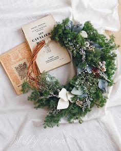 * ChristmasWreath* * 本日21時よりWEBSHOPにてご紹介させていただきます、フレッシュグリーンのリース* * * フレッシュなグリーンの豊かな香りで、胸いっぱいに森が広がります * * #リース#クリスマス #クリスマスリース #クリスマス準備 #christmas #wreath #wedding #ナチュラルリース#リースブーケ#グリーン#植物#ザ花部 #フラワーアレンジメント#ハンドメイド#ハンドメイドリース#ウェディング#ウェディングブーケ#おうちカフェ #milkyflower #結婚式#冬婚#インテリア雑貨 #ドライフラワー#プリザーブドフラワー