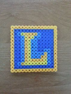 League of Legends Icon Perler Beads by Emunity on Etsy, $4.00 orange light: 14H12V, 12x2+ 14x2=24+28=52--> 52+20=72 blue dark: 12x2+10x2+8+5+15=72 blue light: 10+24=34 yellow: 18 Total: 196