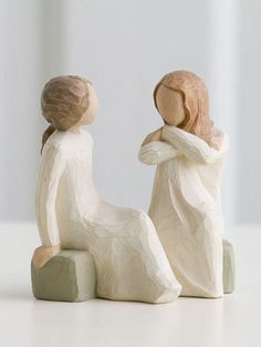 Willow Tree Heart and Soul Figurine by Susan Lordi, Demdaco Willow Tree Familie, Willow Tree Engel, Willow Tree Figuren, Willow Tree Cake Topper, Willow Tree Nativity, Willow Tree Wedding, National Best Friend Day, Friends Day, Friends Forever