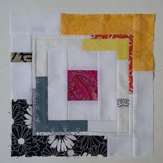 Inspired by a block of @felicityquilts I saw a few days ago and as a break from my epp project,  I had to make one myself. I think later I'm going to make more. It seems there is a tutorial by @filminthefridge but I just improvised and added a variation. I hope I'm not infringing any rights herewith.