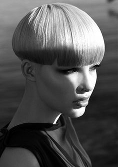 A short blonde straight coloured bob womens hairstyle by Intershape Short Wedge Hairstyles, Uk Hairstyles, Classic Hairstyles, Straight Hairstyles, Short Haircuts, Blonde Hairstyles, Hair Styles 2014, Short Hair Styles, Bowl Haircuts