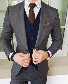Gentleman Style 376895062567896480 - Source by cedriclilong Best Suits For Men, Cool Suits, Mens Fashion Suits, Mens Suits, Moda Formal, Men With Street Style, Herren Outfit, Stylish Mens Outfits, Gentleman Style