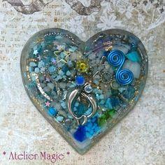 アートオルゴナイト『Sirius Magic』 Diy Resin Crafts, Diy And Crafts, Arts And Crafts, Clay Creations, Resin Jewelry, Resin Art, Stones And Crystals, Cool Art, Art Projects