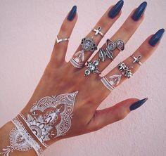 White Henna - The Prettiest Henna Tattoos on Pinterest - Photos